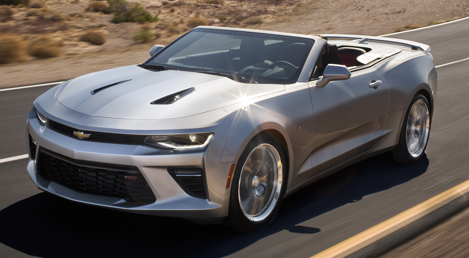 chevy pulls the lid off on new 2016 camaro convertible. Black Bedroom Furniture Sets. Home Design Ideas