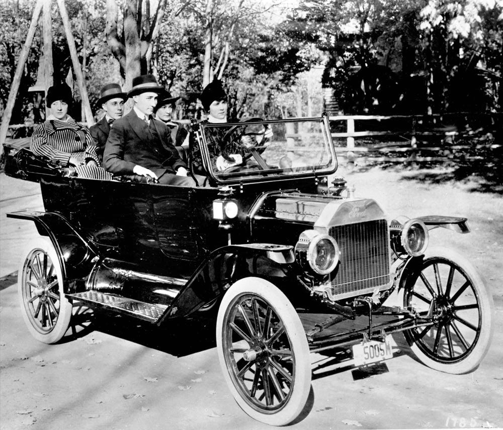 1914 Ford Model T Touring Car Note Hand Crank Above License Plate The Woman Behind Wheel