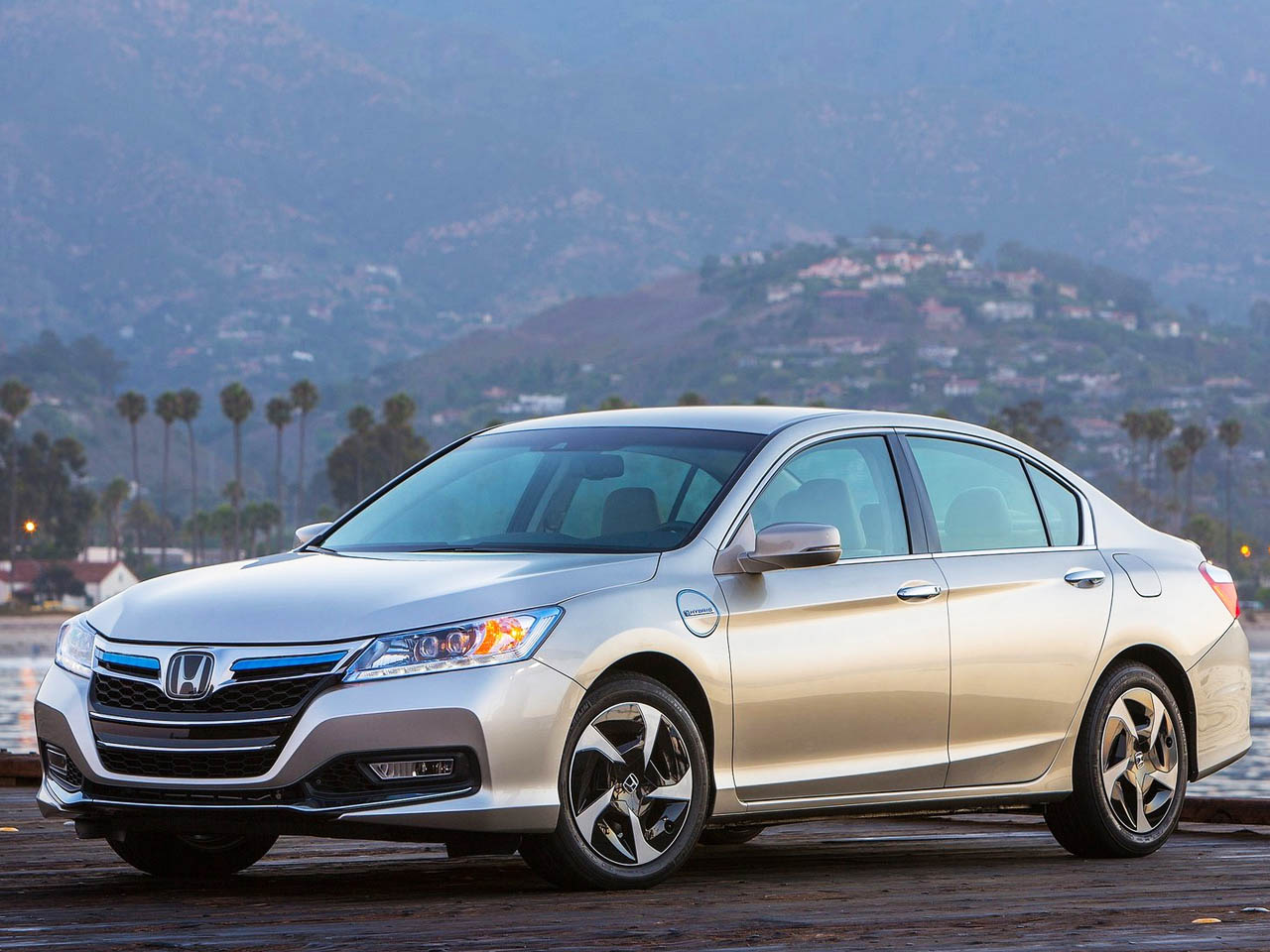 2014 honda accord hybrid technology version views car for Honda hybrid vehicles