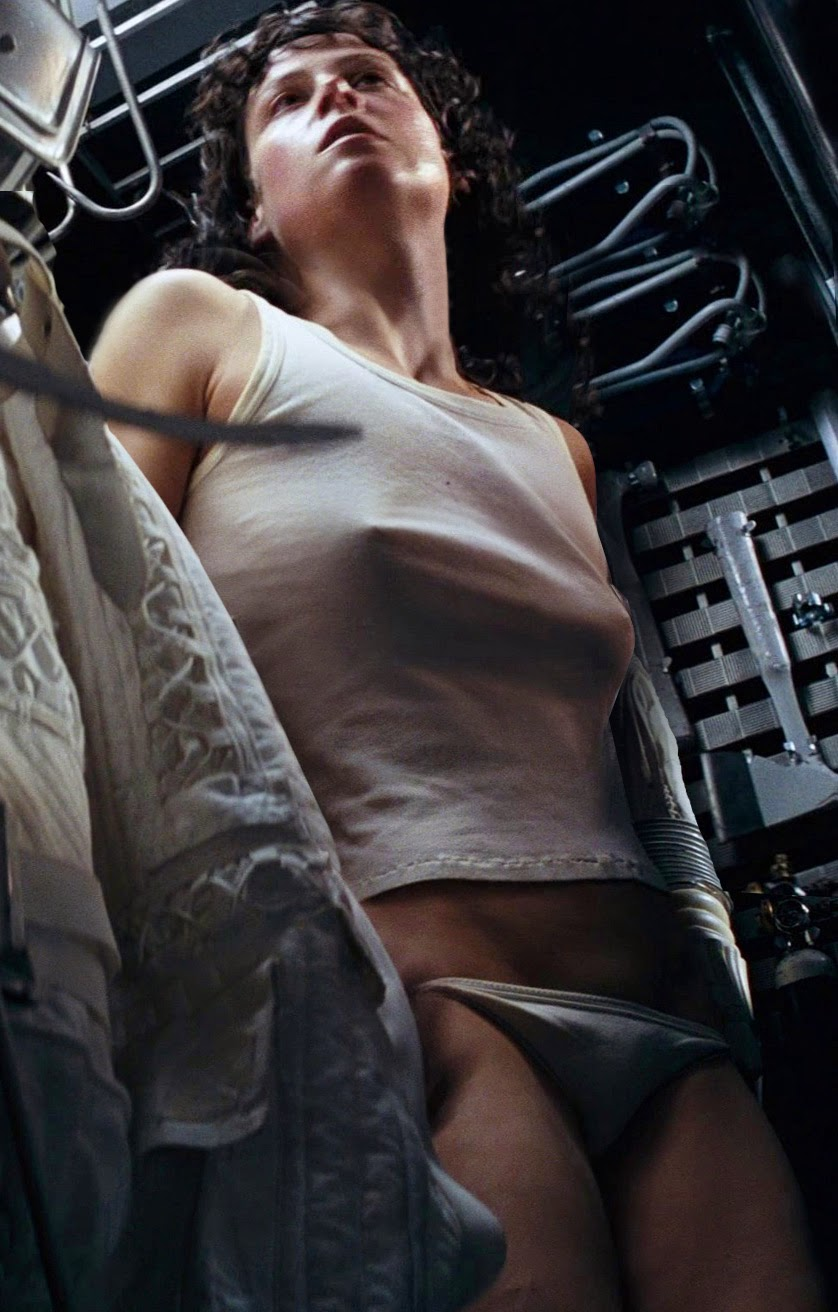actress in alien nude