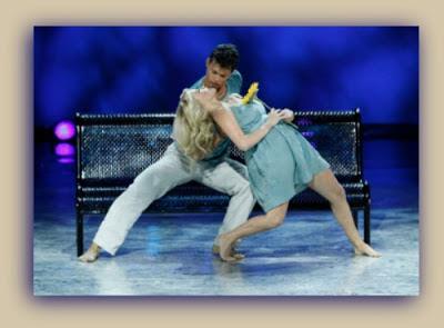 """Witney Carson dançando com Chehon Wespi-Tschopp, coreografia de Mia Michaels, """"Calling You"""""""