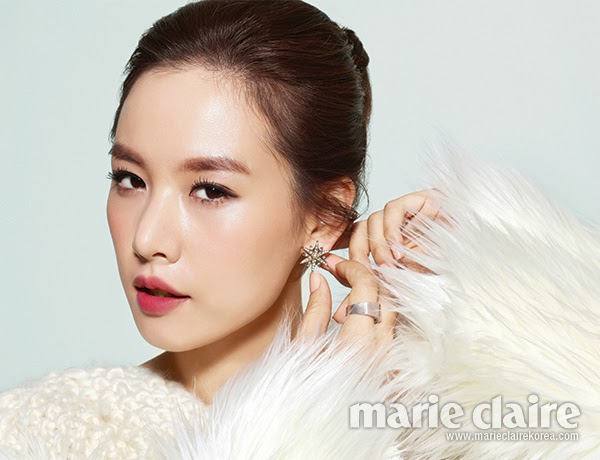 The beautiful Jo Yoon Hee mixes up her look in the October 2013 issue ...