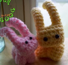 http://translate.google.es/translate?hl=es&sl=en&tl=es&u=http%3A%2F%2Ffiberdoodles.blogspot.com.es%2F2010%2F03%2Fwhim-sie-funny-little-bunnies.html