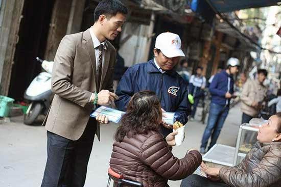 Phó TGĐ Lương Quốc Huy tiếp thị cùng CN Hà Nội 1