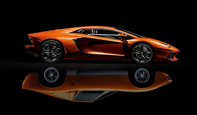 Lamborghini Presents One-Off Aventador LP720-4 at 2013 Geneva Motor Show