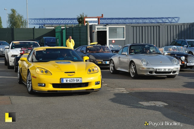 corvette contre porsche photo blachier pascal