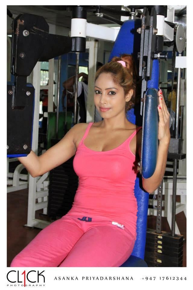 piumi srinayaka pink gym