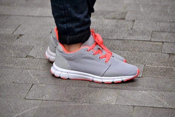 look_outfit_running_shoes_calzado_deportivo_sneakers_como_combinar_lolalolailo_03