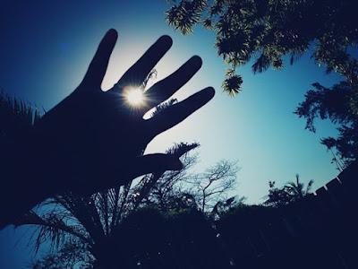 Tempo, Vanessa Vieira, photo, pensamentos, mãos, sol, dia, fotografia, natureza