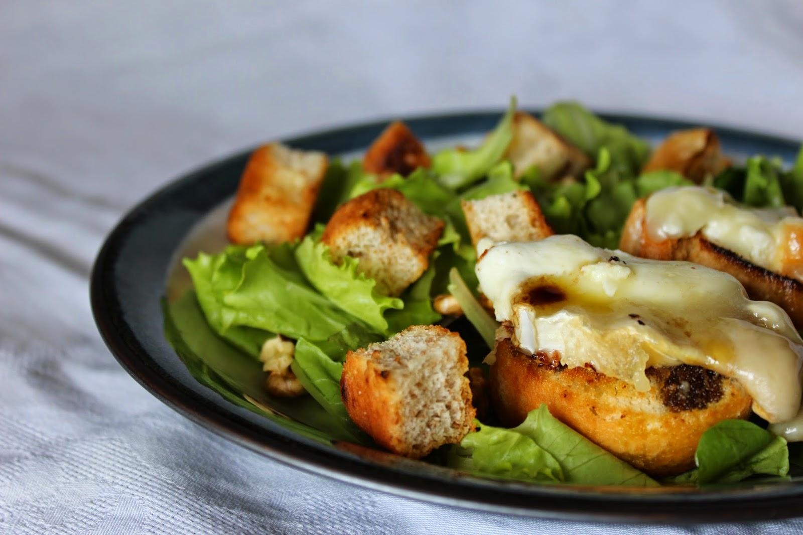 insalata francese con chèvre chaud.