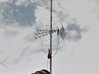 Titis menggunakan Booster, disarankan kabelnya 50cm dengan hitungan 1 lambda