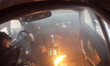 Ken Block com o carro em chamas