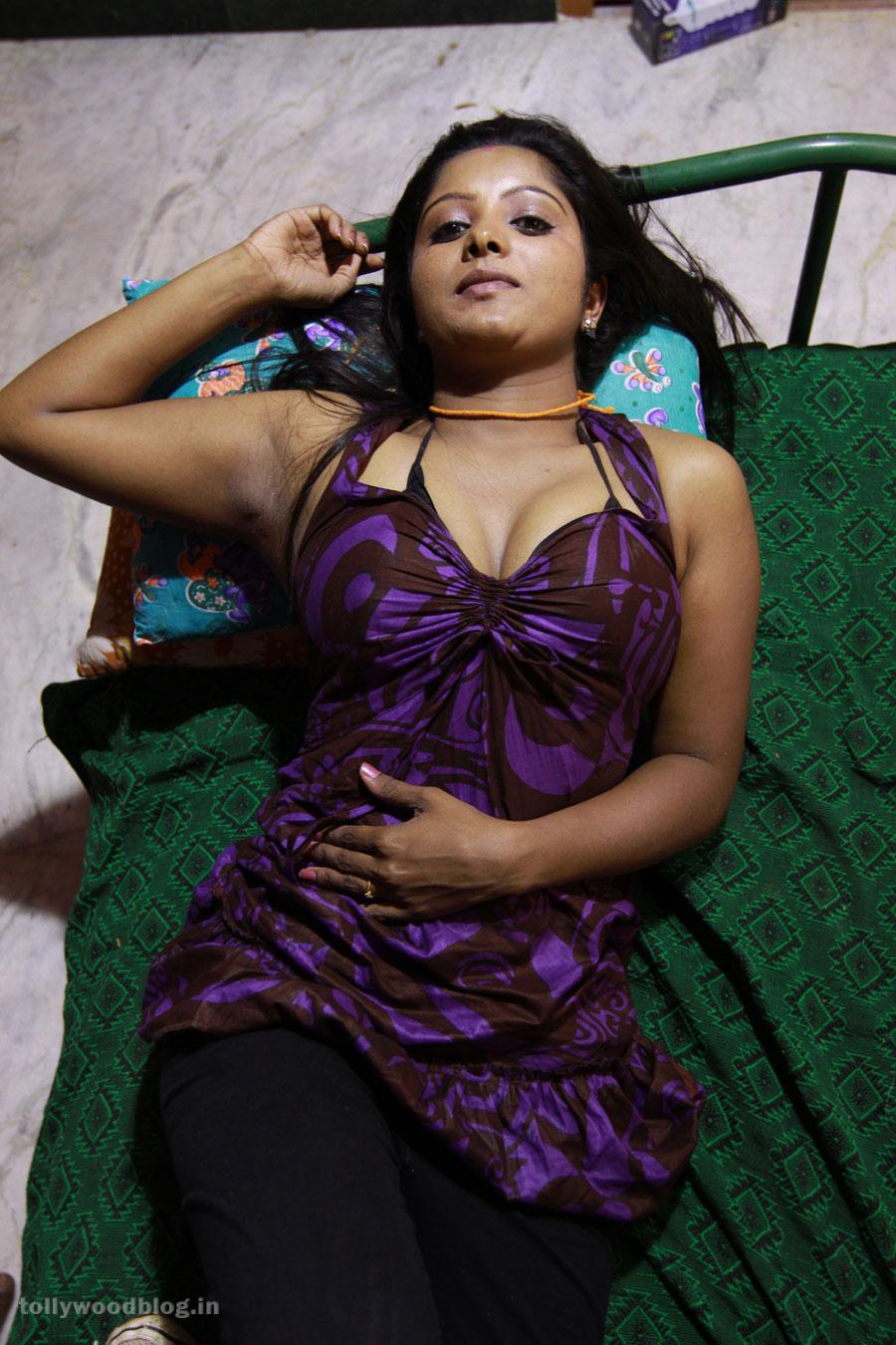 madhuram telugu movie hot photos stills