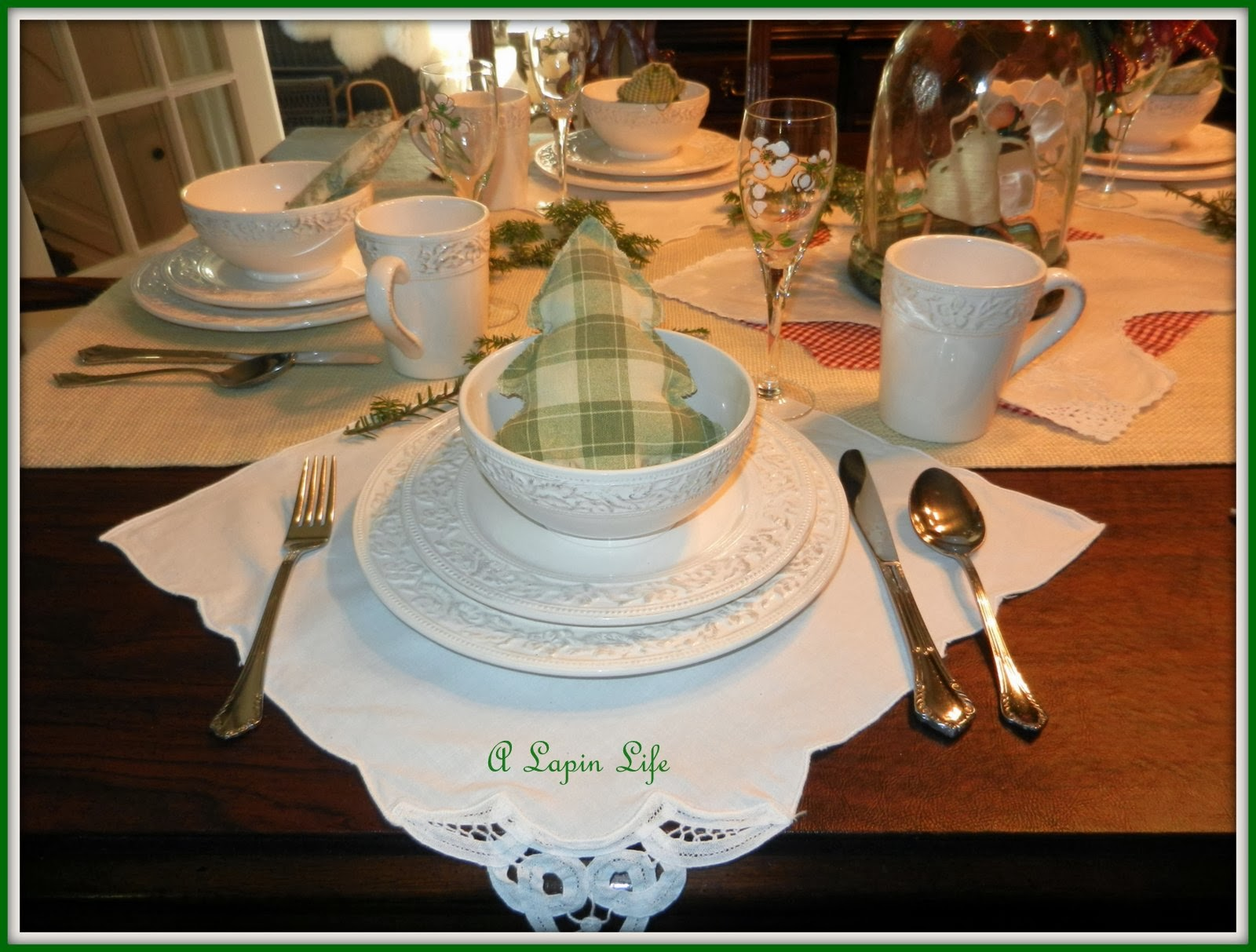 A Lapin Life Holiday Ideas And Christmas Table Decorations
