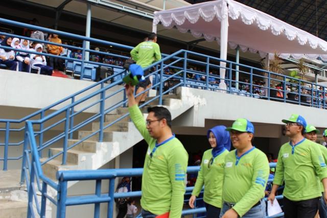 Wali Kota Bandung Hadiri Baju Bolong di Stadion GBLA