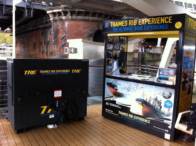 River+Thames+speedboat+ride+RIB+Rigid+Inflatable+Boat+Experience+embankment+pier