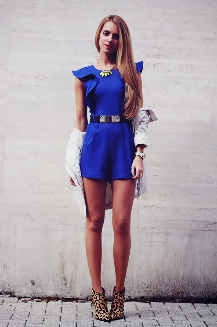 ruffled sleeves romper, royal blue jumpsuit, leopard boots, blue and black, outfit, parka