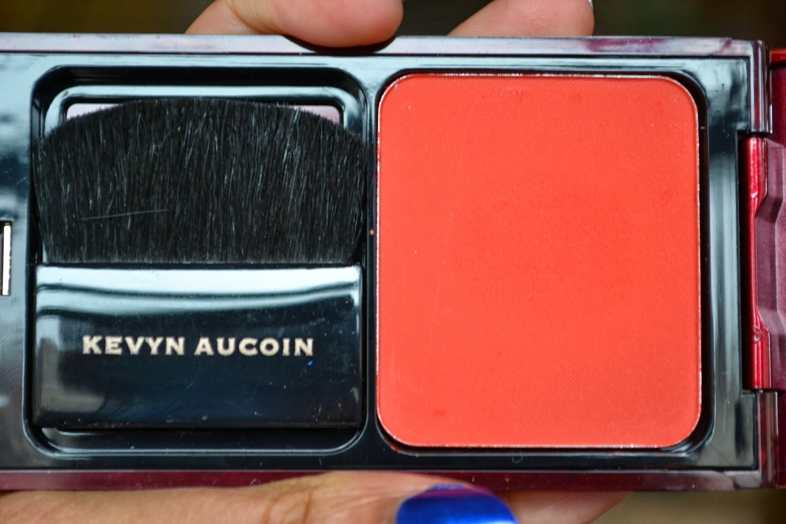 MISSY IN THE MIRROR: The Newbie - Kevyn Aucoin - Pure Powder Glow ...
