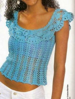 Blusa tejida al crochet con volado  con ondas en escote