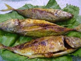 Menu dalam Pantang Ikan Selar Bakar Kunyit