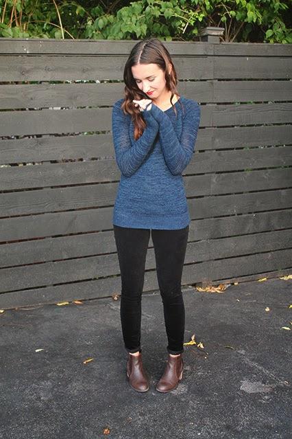 fall sweater, loft sweater , loft corduroys, black corduroys, dsw booties, brown booty, kendra scott ring, fall fashion, fall style