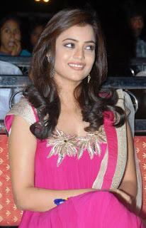 Nisha Agarwal looking Cute at Solo Audio launch