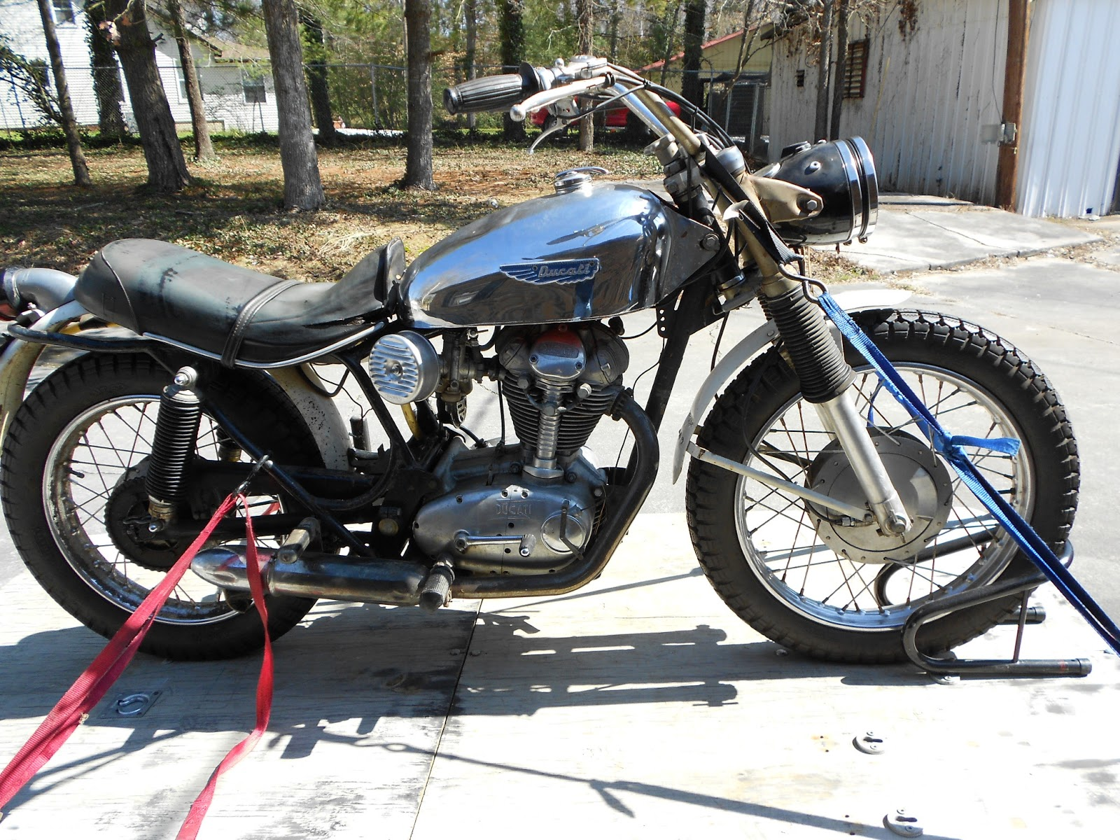 1969 Ducati Scrambler Restoration 250 Wiring Diagram Long Story Short We Loaded One Of The Scramblers Up Went To His Bank Arrange A Wire Transfer And Voila I Had My New Project