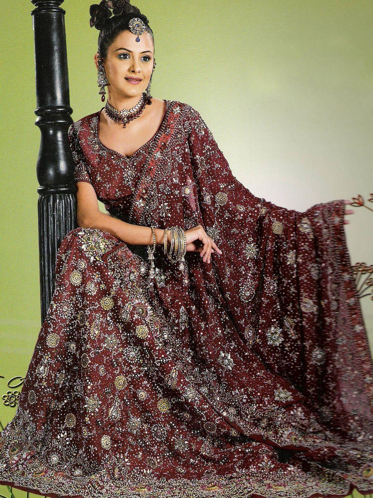 Creative Fascinating Latest Indian Wedding Costumes For Stylish Girls