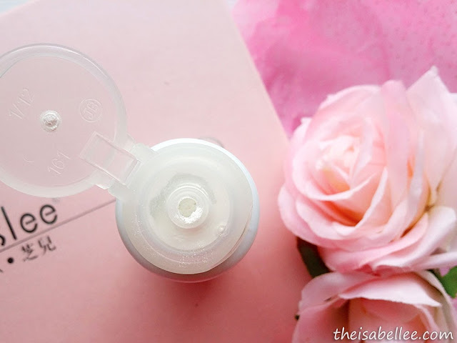 Uncapping O'slee Rosehip Hydra-White Cleansing Powder