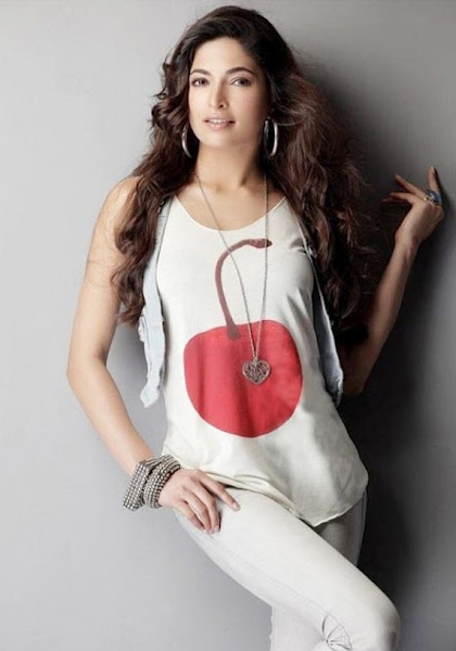 Parvathy Omanakuttan Hot Bikini Photos - Actress Album