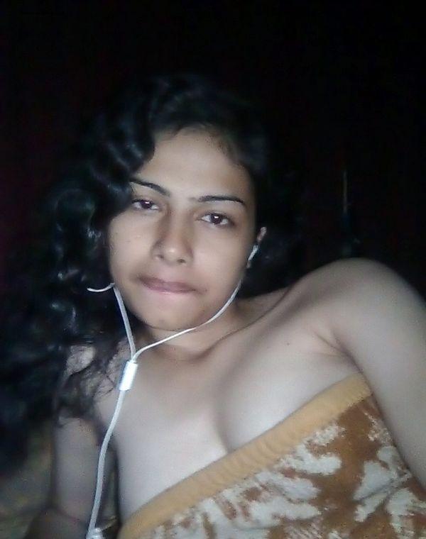 Kerala Nude Girl Boobs, Pics by Her Boy Friend indianudesi.com