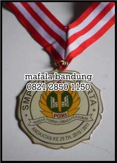 Medali Stiker