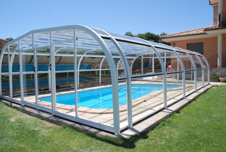 Para cubrir su piscina cerramientos moviles en viviendas for Techo piscina cubierta