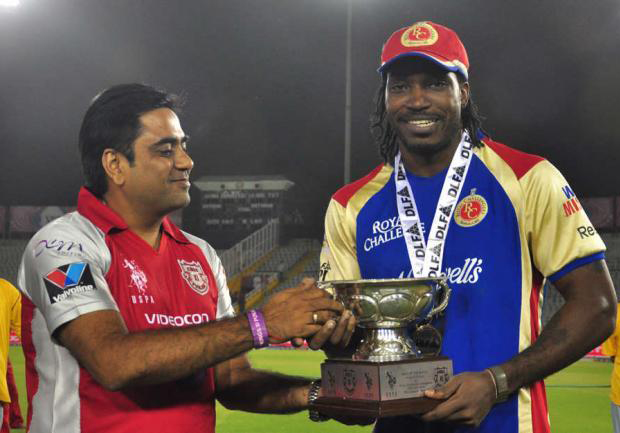 Chris-Gayle-Man-of-the-Match-v-KXIP