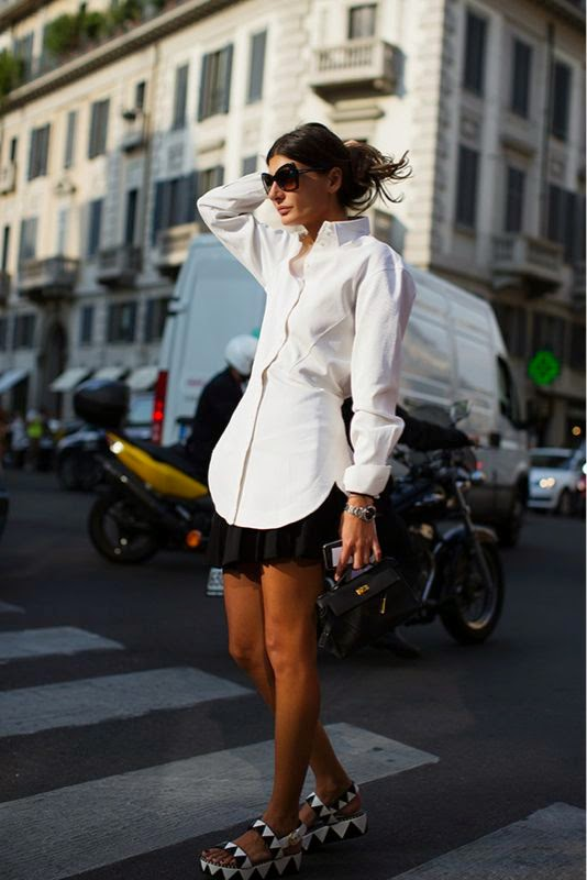 Giovanna Battaglia - Look Minsaia e plataformas e blusa branca