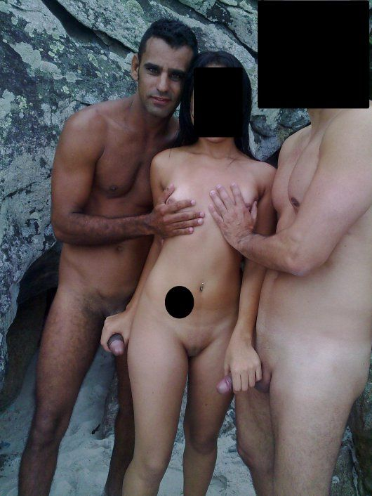 gajas nuas na praia gay chat engates