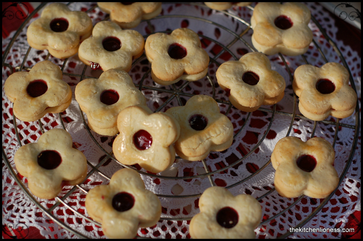 The kitchen lioness traditional christmas cookies welser blumen traditional christmas cookies welser blumen forumfinder Image collections