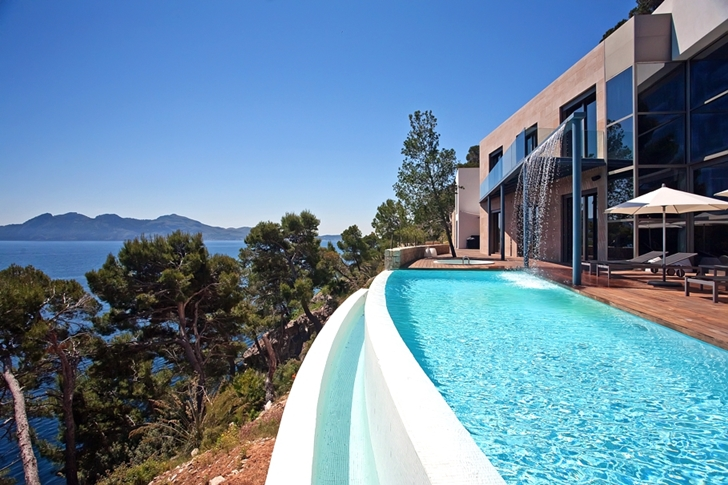 Edge pool in Modern mansion on the cliffs of Mallorca