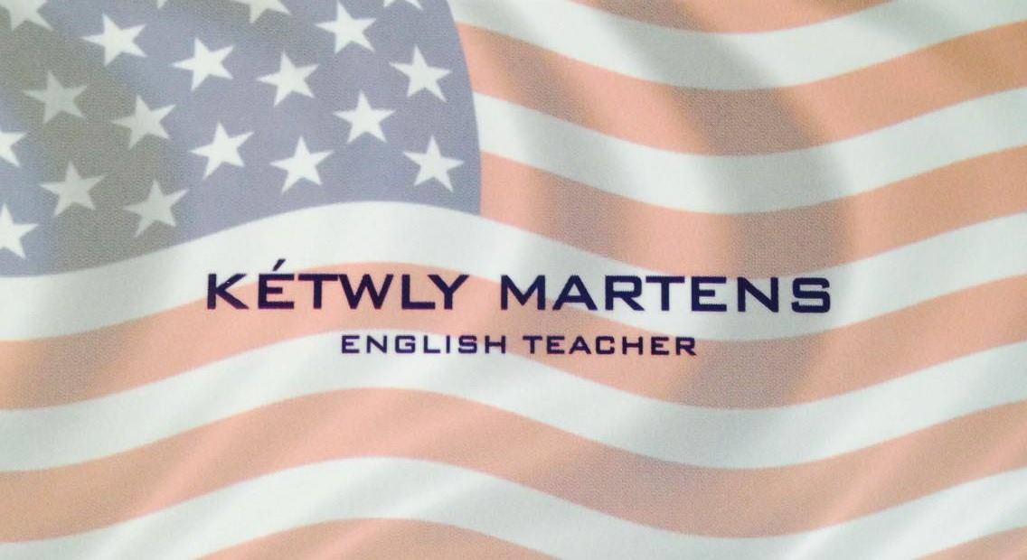 •Aulas particulares de inglês •Aulas de conversação •Curso de viagem •Traduções  (44) 9853-8104