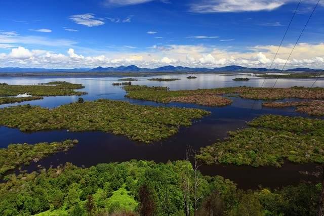 Taman Wisata Danau Sentarum Kalimantan 4