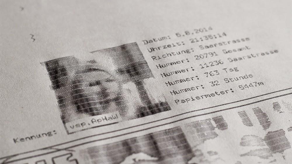 Database - Una instalación artística sobre el tema de la vigilancia masiva.