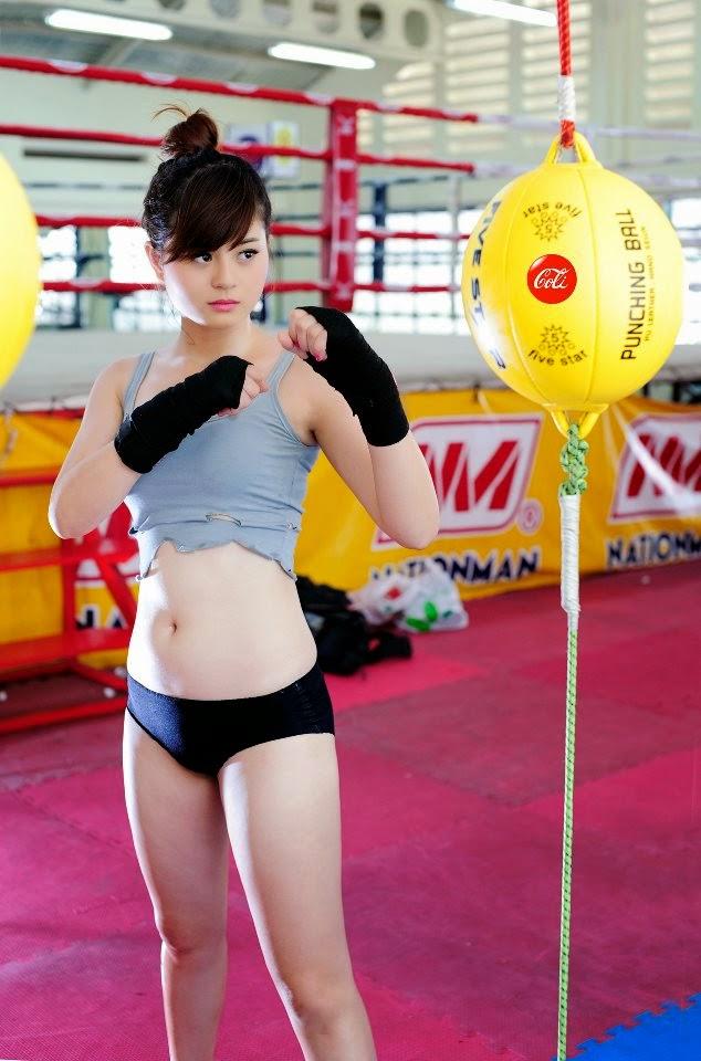 Hotgirl Châu Dương sexy với trang phục boxing 6