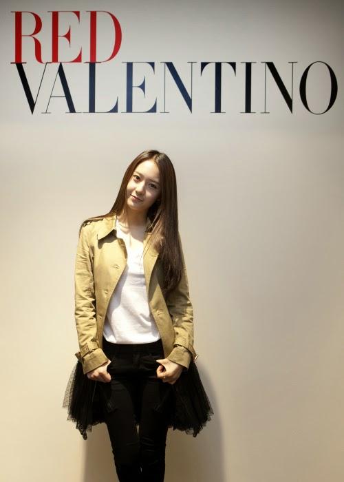 Krystal f(x) Pamer Selera Fashion di Acara Red Valentino