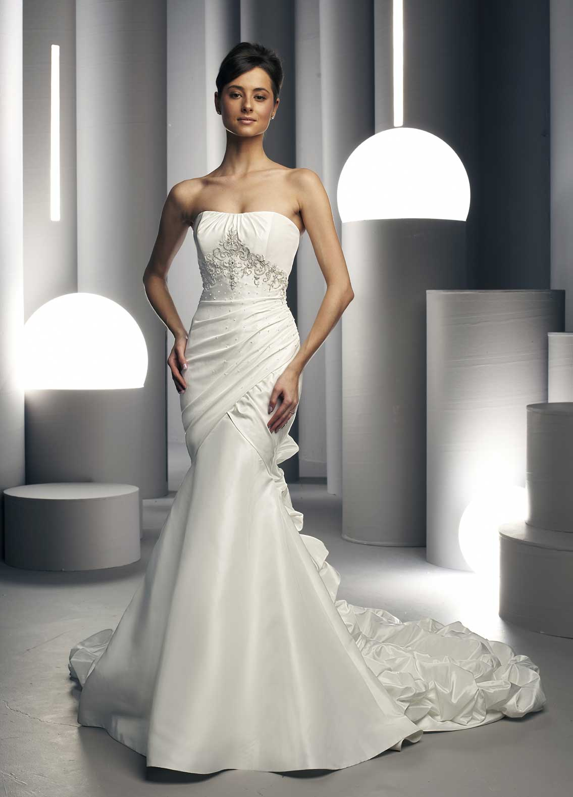 White bridal 39 s dresses designs fancy and elegant for Wedding dresses that are white