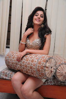 Isha Talwar New  Stills 16.jpg