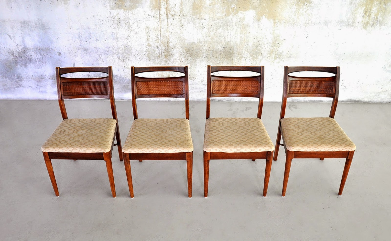 SELECT MODERN: Set of 4 American of Martinsville Dining Chairs