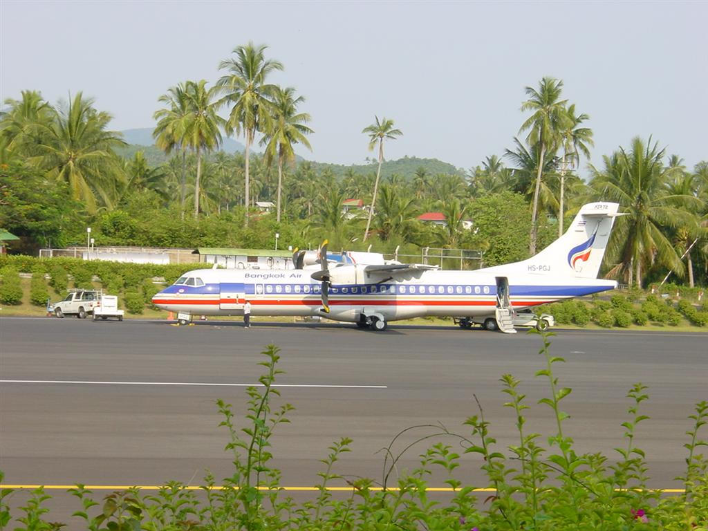 http://2.bp.blogspot.com/-onnuAa12yqw/TgF3sVoJ66I/AAAAAAAAUuM/W2pdDUYvNNo/s1600/ATR_72_500_Bangkok_Airways.JPG