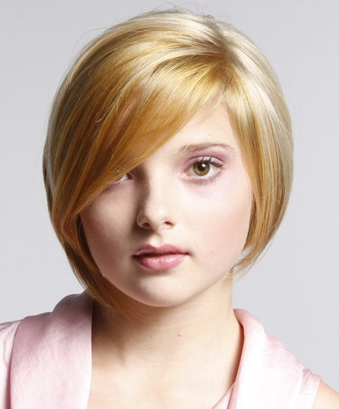 Short Hairstyles Ideas for Teenage Girls with Round Faces