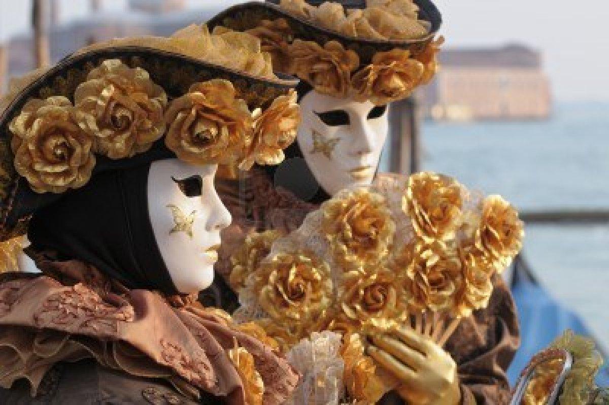 Pin disfraces venecianos del carnaval venecia pareja on - Mascaras de carnaval de venecia ...