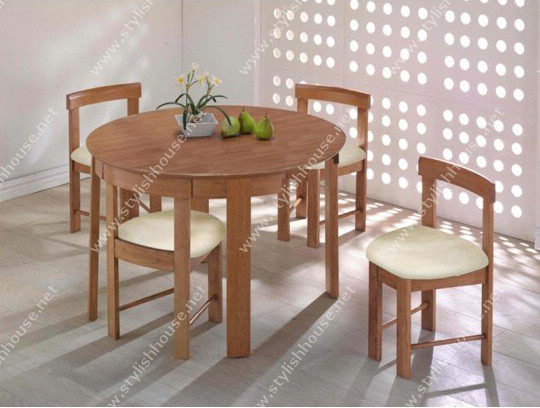 Stylish round dining table set